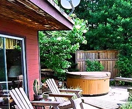 Riverfront Cabin with Private Hot Tub-Saugatuck-Michigan1